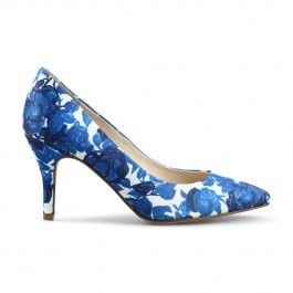 C. Wonder Park Avenue Rose Pointed Toe Pump