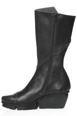 TOUR calf boot in smooth cowhide leather with external stitching - TRIPPEN