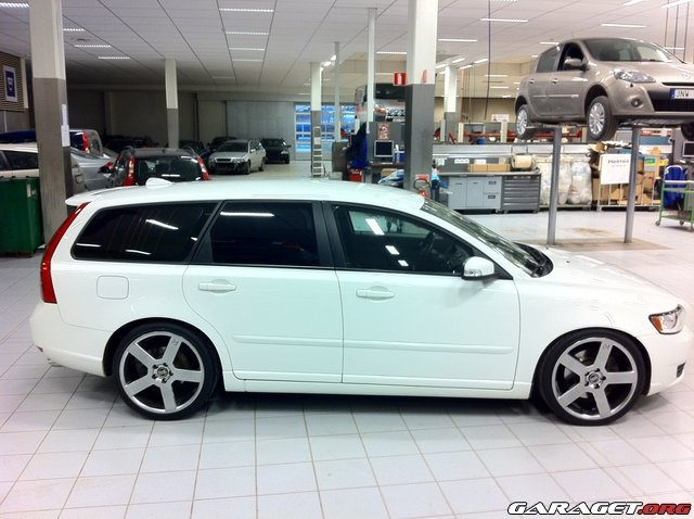 Volvo V50 ( the perfect midsize family car)