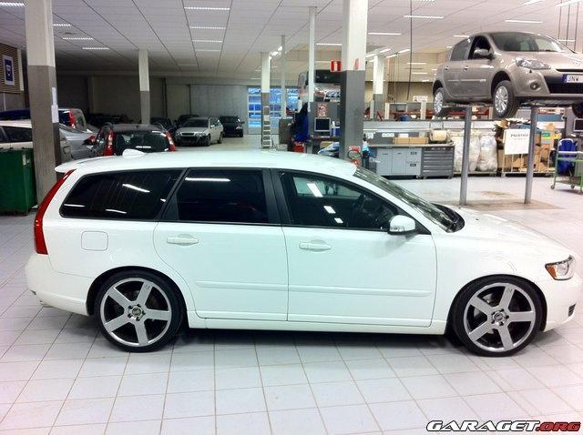 Volvo V50 ( the perfect midsize family car)