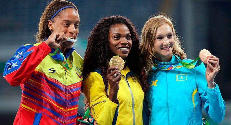 La Venezolana Yulimar Rojas en el podio olímpico de Rio 2016 / Reuters