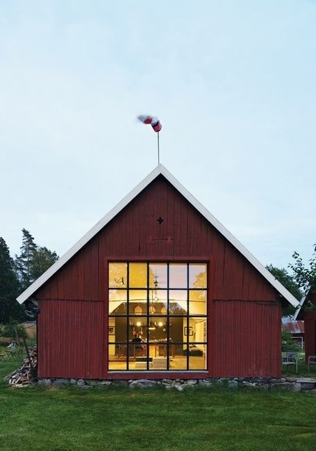 Modern barn with gable roof new england modern for Modern gable roof house