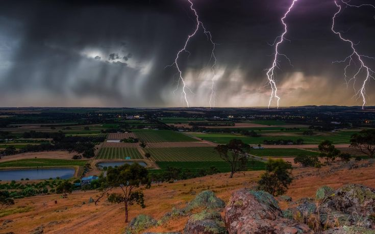Isaak Schiller Photography | Lightning storm over the Barossa Valley, SA