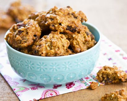 Our soft-baked oatmeal cookies are made with agave nectar and raisins so they're perfectly chewy and perfectly sweet.
