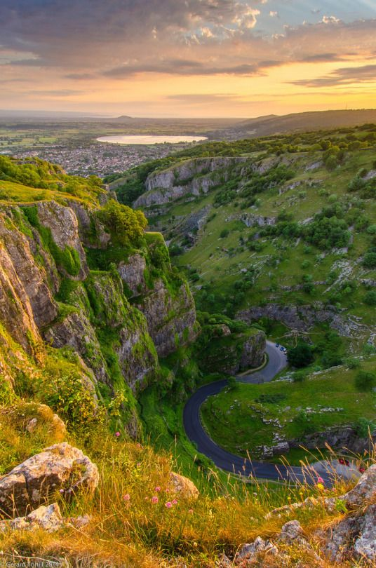 Cheddar Gorge, Somerset, England by gerard_tohill