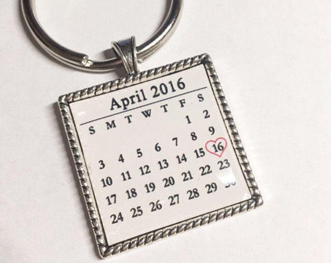 Personalized Calendar keychain, Custom date Save the date key chain, Custom key chain, significant date marker, Custom Anniversary Gift