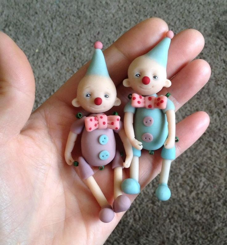 Jackie Mullen polymer clay jointed clowns