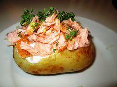 En verden af smag!: Bagt Kartoffel med Friskost og Varmrøget Laks