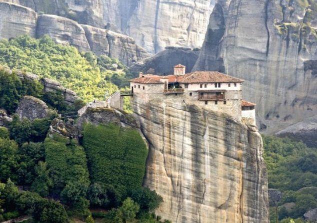 Προτάσεις για ένα διαφορετικό Πάσχα!! Τέσσερις περιοχές της Ελλάδας και τα έθιμα τους...