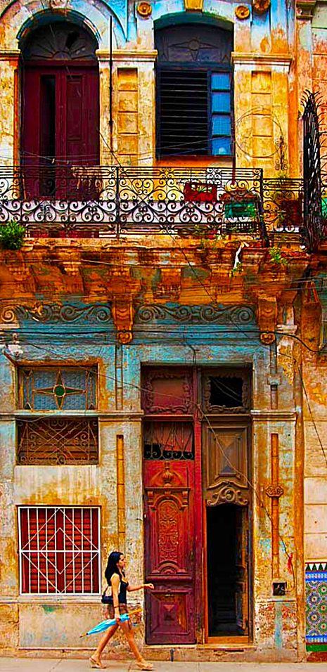 Cuba    La Havana, Walk on by
