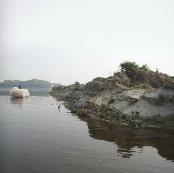 """""""Indra's Cloud"""" - Anne Percoco - 2008 - Jai Singh Ghera, India"""