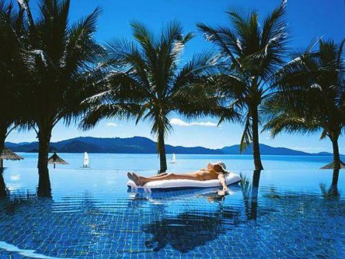 Hamilton Island, Australia - Beach Club #travel with http://adventuresuncorked.com/