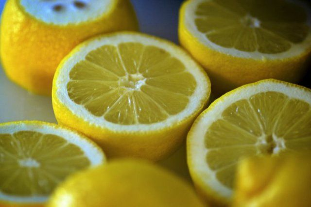 Lemon One of the most common diet directives you get in a hospital is to cut out salt, but that can leave your food tasting bland, especially if you're used to a high-sodium diet. Add some flavor without endangering your health by sprinkling lemon juice on your meals.