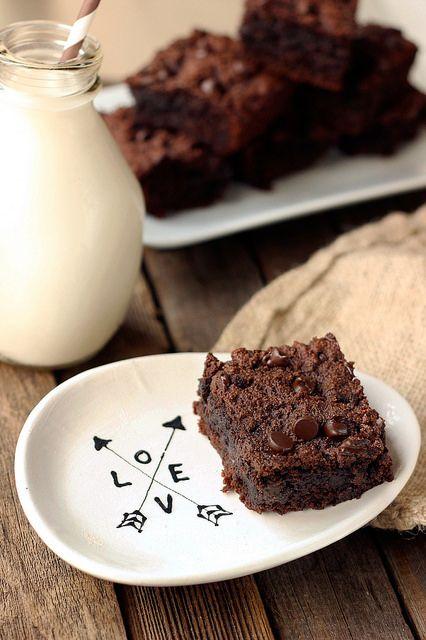 Grain-Free Double Chocolate Brownies {Gluten-Free, Dairy-Free, Paleo-Friendly} // @tastyyummies // www.tasty-yummies.com