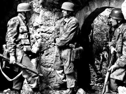 Fallschirmjäger at Monte Cassino, 1944.