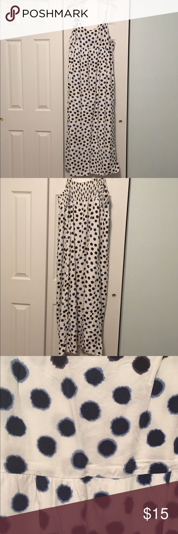 Old Navy Polka dot maxi dress size XL Old Navy polka dot maxi dress. Blue and cream colored. Pretty dress for spring and summer. Cute and comfortable. Great condition. Old Navy Dresses Maxi