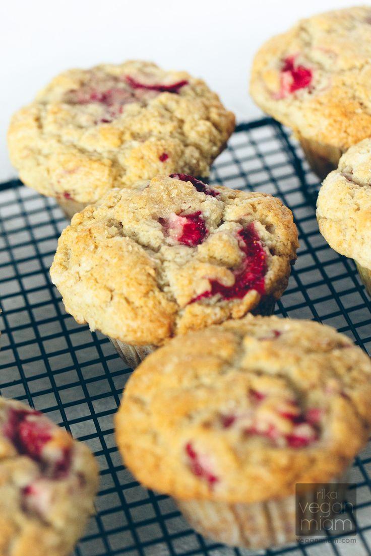 Fluffy Strawberry Muffins