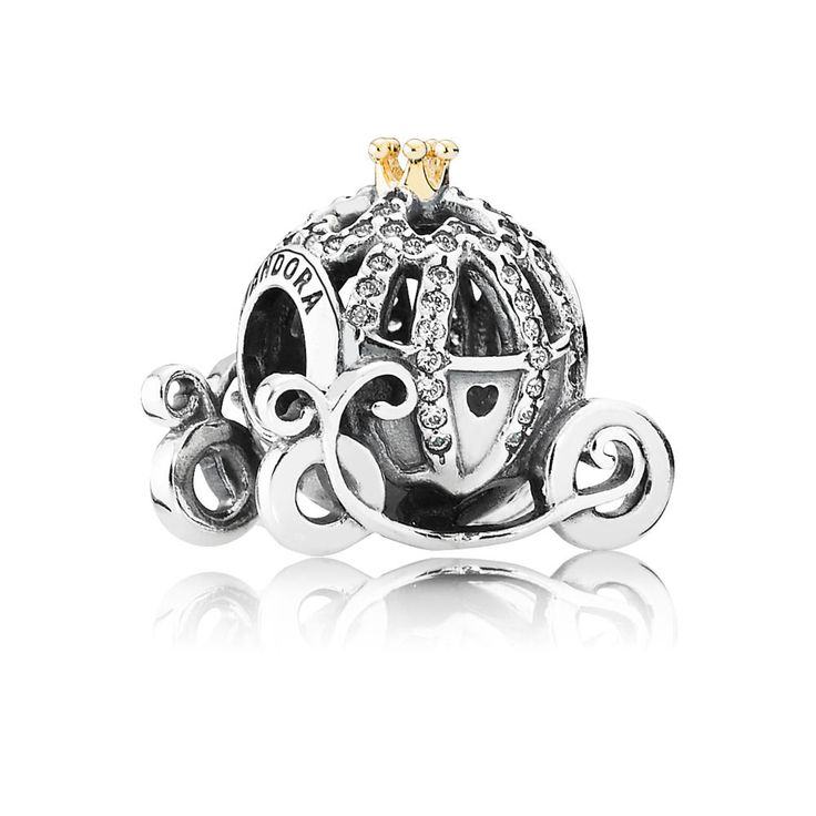 Take inspiration from Cinderella's iconic pumpkin coach with this captivating and finely crafted charm in sterling silver and 14ct gold. Add its sparkling details to your perfect carrier - your bracelet.