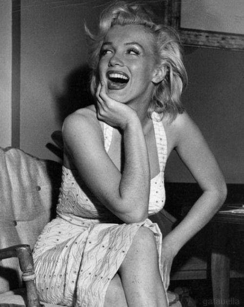 Marilyn Monroe photographed by Bob Beerman. Good Morning!