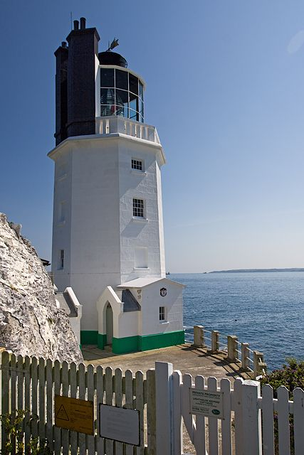 St Anthony in Roseland - the lighthouse at St Anthony Head