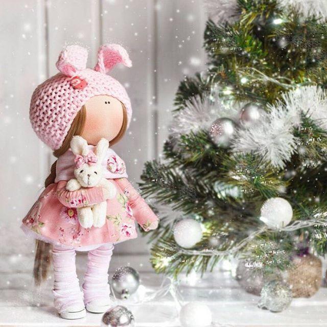Только 3 и 4 декабря в Артплей (Москва) стартует главная ярмарка новогодних подарков @dunyashamarket! Вас ждёт сказочная атмосфера любимого праздника, 72 000 всевозможных подарков, 200 брендов и мастеров, вкусная еда, БЕСПЛАТНЫЕ КОКТЕЙЛИ, музыка, мастер-классы, новогодняя фотозона, ДЕД МОРОЗ И СНЕГУРОЧКА! 💰ВХОД СВОБОДНЫЙ! ⏰ 3 и 4 декабря с 12 до 20 🏠Центр Дизайна Артплей  ул.Нижняя Сыромятническая, д.10, стр.7, МАЛЫЙ ЗАЛ  Фото @tatyana_evteeva_