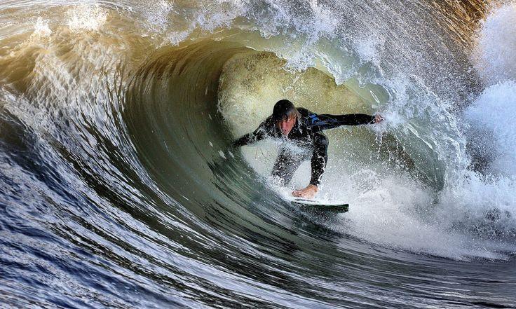 Muéstrate a ti mismo a tu más profundo miedo; después de eso el miedo ya no tiene poder y eres libre (Jim Morrison) ................ Juega con la naturaleza escucha la canción y... salta! ................ Fot.: CMoretti #fortedeimarmi #italia #surf #surfing #surfer #surfstyle #ola #wave #agua #water #oceano #ocean #mar #sea #deporte #sport #naturaleza #nature #musica #music ................   The Clash - Should I Stay Or Should I Go