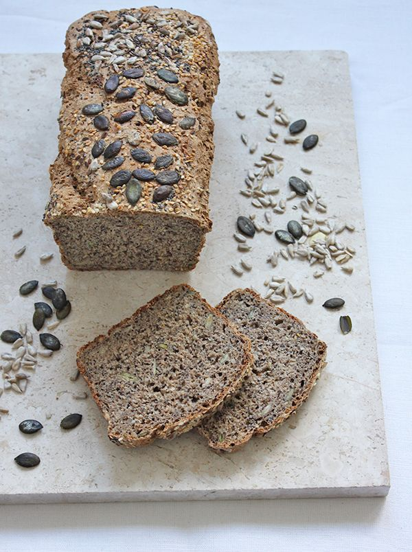 ziarnisty chleb na zakwasie