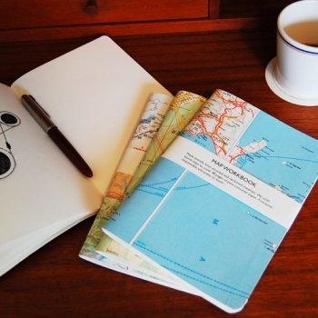 pretty way to make a travel journal