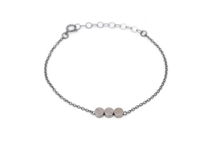Elegant bracelet shiny gold beads & oxidized silver