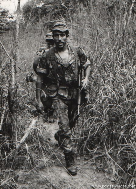 Portuguese Paratroopers on patrol - African Colonial War (1961-1974)