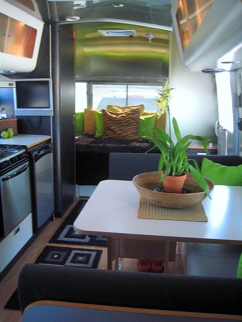 airstream glamping ....I could live in this airstream!