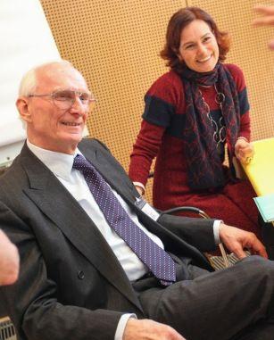 Prof. Dr. Gerhard Buchbauer und Evelyn Deutsch auf dem ÖGwA-Kongress 2017 in Wien: Wissenschaftliche Aromatherapie, insbesondere Neues zur antitumoralen Wirkung und zur antibakteriellen Wirkung von ätherischen Ölen