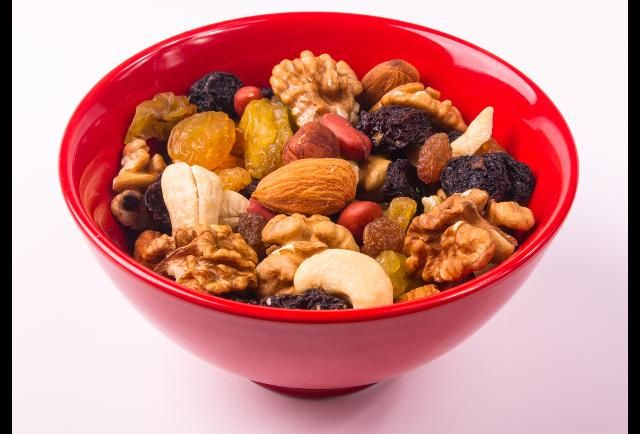 If you're allergic to one nut, you can't be sure you're allergic to others unless you actually try them and develop symptoms, according to new research that suggests most people with a tree nut or peanut allergy don't have to avoid all other nuts.