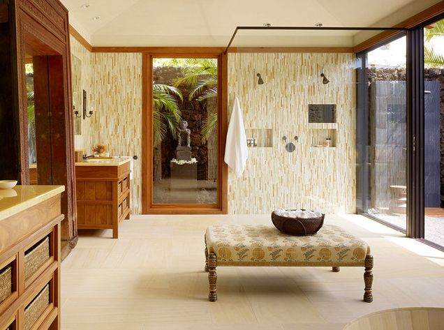 Banheiro com Jardim de Inverno: Shower Ideas, Bathroom Design, Kana Lots, Tropical Bathroom, Design Ideas, Porcelain Tile, Beautiful Bathroom, Beaches Houses, Outdoor Bathroom