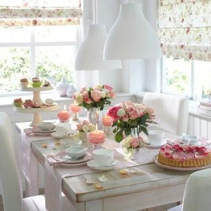 Georgous breakfast table - can see this being my next mothers day