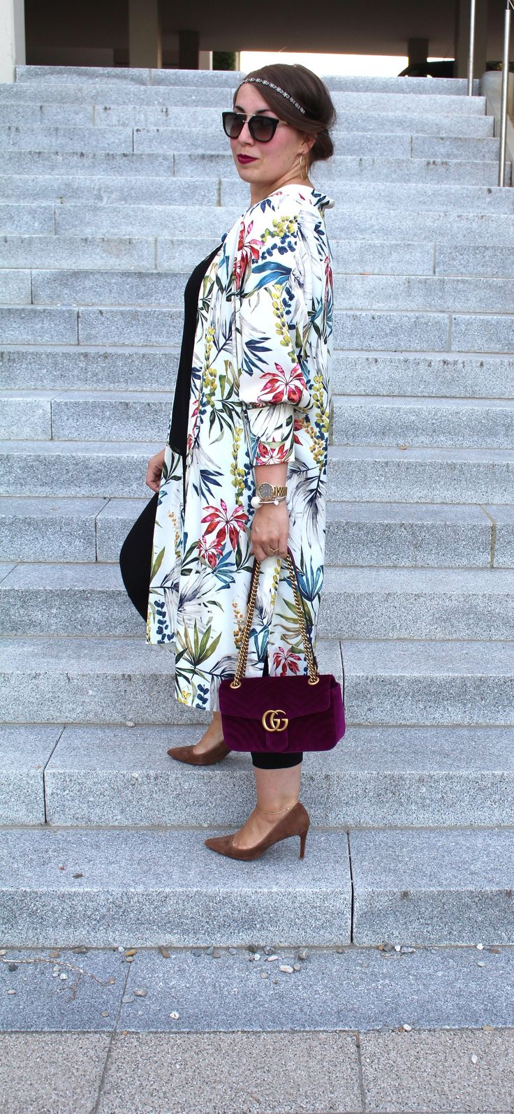 How to wear: Flower Kimono / Blumen Kimono / Gucci Marmont Velvet Bag - WWW.MISSSUZIELOVES.DE