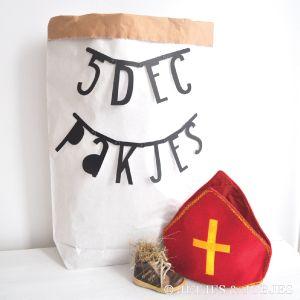 Hippe multi functionele paperbag xxl en maak je eigen Sinteklaas  cadeauzak met de zwarte letterslinger