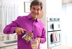 Dr.Oz pouring tea