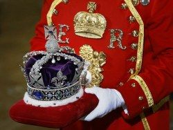 "glitzandgrandeurtoo: ""The Imperial State Crown for the State Opening of Parliament - Houses of Parliament in London, England, UK. Imperial State Crown: weighs 2 pounds 13 ounces and is set with over 3000 precious stones - 2,868 diamonds, 273 pearls,..."