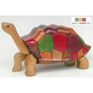 Wooden sculpture - statue Tortoise handcarved from ishpingo Amazon wood. Peruvian artwork. US $ 108.00 free shipping from peruincamarket