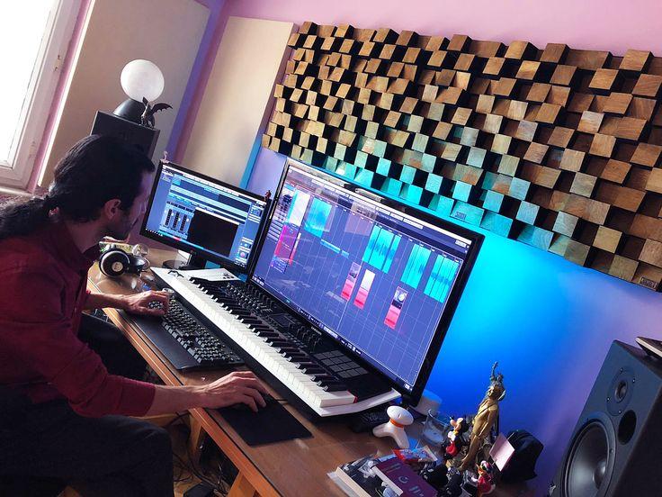 Harun Can üstadımızın home stüdyosuna ufak bir dokunuş yaptık. Tüm sorunları çözdük . Güle güle kullan Harun Can ... #lavaakustik #lava #akustik #acoustic #studio #stüdyo #design #tasarım #highend #ses #sound #soundsystem #müzik #music #şarkı #beste #aranje #aranjör #aranjman #prova #kayıt #record #recording #recordingstudio #musicroom #room #luxury #haruncan #ozerkircak Ozer Kircak
