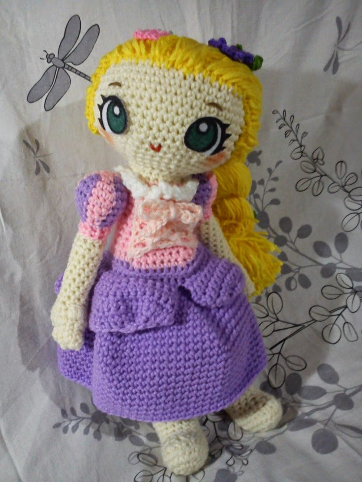 Rapunzel Doll Disney Princess - Free Amigurumi Pattern here: http://duchessgala.blogspot.nl/2014/12/tangled.html