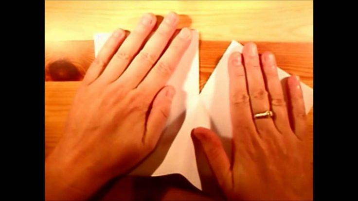 Instructiefilmpje over het vouwen van een boekje, uit één A4-tje.