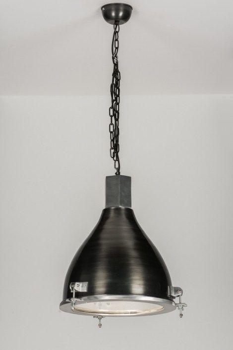 Webwinkel@rietveldlicht.nl   Telefoon: 0184 499 637 . Industriële hanglamp voorzien van een bijzondere combinatie in de vormgeving. Deze industriële hanglamp valt op door de bijzondere vormen die zijn samengevoegd tot een geheel. De kap heeft een slanke vorm welke vloeiend breder loopt aan de onderzijde . Voor tafel  keuken - salontafel