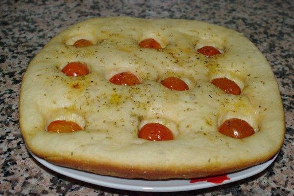 Focaccia pugliese con pomodorini - forno kit Maguc Cooker