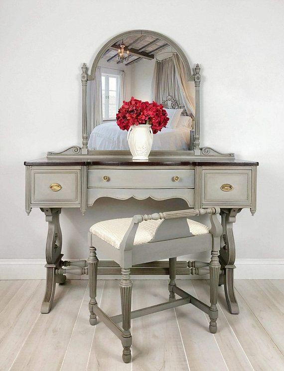 Painted Furniture Vintage Vanity Makeup Mirror Farmhouse Vanity Table Tampa Florida Painted Vanity Vanity Table Vintage Vanity Decor