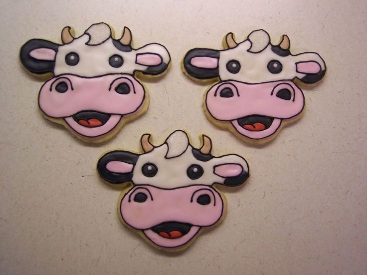 Cow Trio  on Cake Central