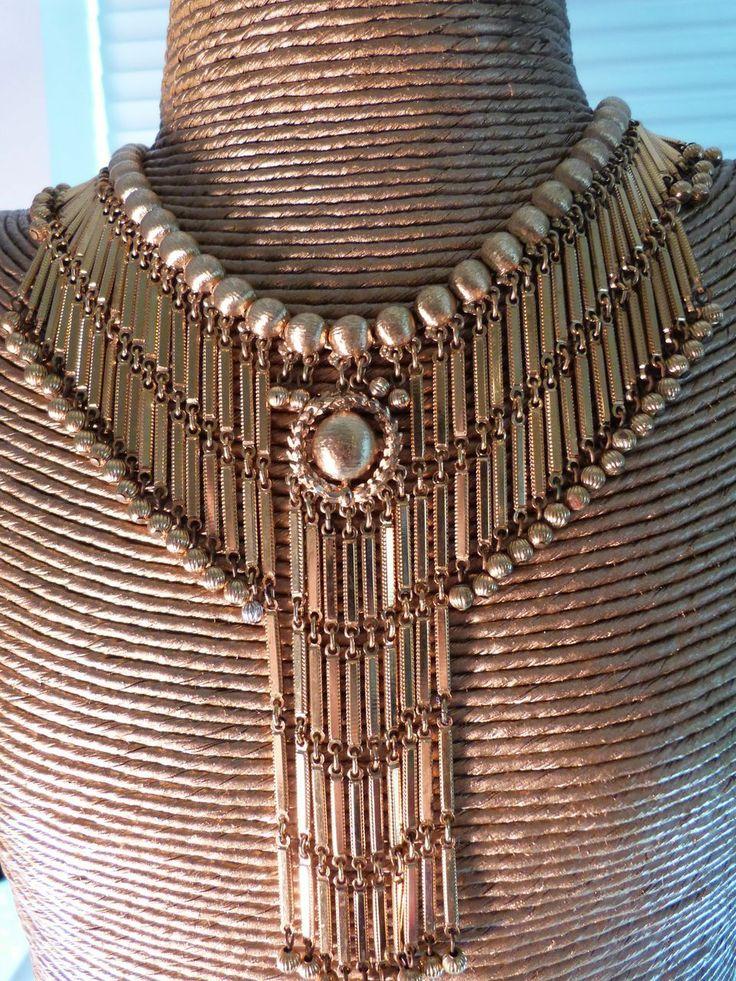 """Signed Monet """"Shandelle Line"""" 1971 Spectacular Goldtone Dangle Bib Front Statement Necklace:Book Piece"""