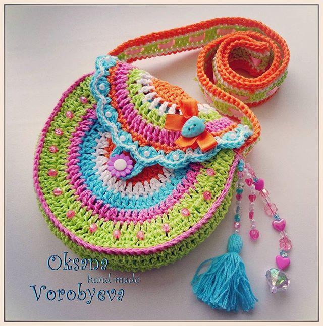 Сумочка для любимой дочи. По мотивам Vendula Maderska. #сумочкакрючком #vendulamaderska #Vendula #Maderska #вяжутнетолькобабушки #вязаниекрючком #вязаниеназаказ