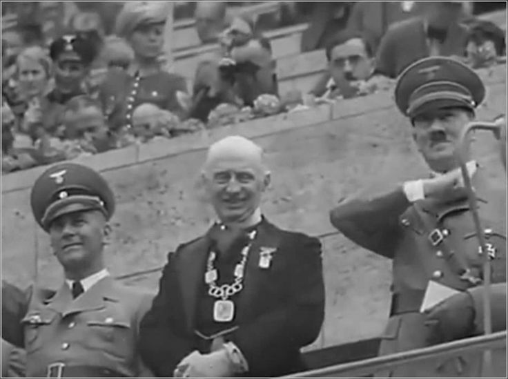 XI Олимпийские игры, Берлин, 1936 г. Открытие.  XI летние Олимпийские игры проводились в Берлине (Германия) с 1 по 16 августа 1936 года.  В течение двух недель Адольф Гитлер скрывал свои антисемитские и экспансионистские планы. Желая произвести впечатление на иностранных гостей, приехавших в Германию на Олимпиаду, Гитлер санкционировал временное смягчение анти-еврейской политики (при этом были даже убраны знаки, запрещающие евреям появляться в общественных местах).